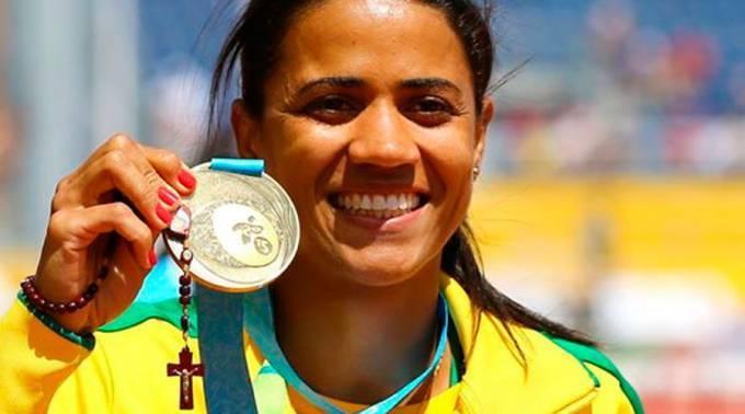 Juliana Gomes Dos Santos, la sua medaglia e il suo rosario.