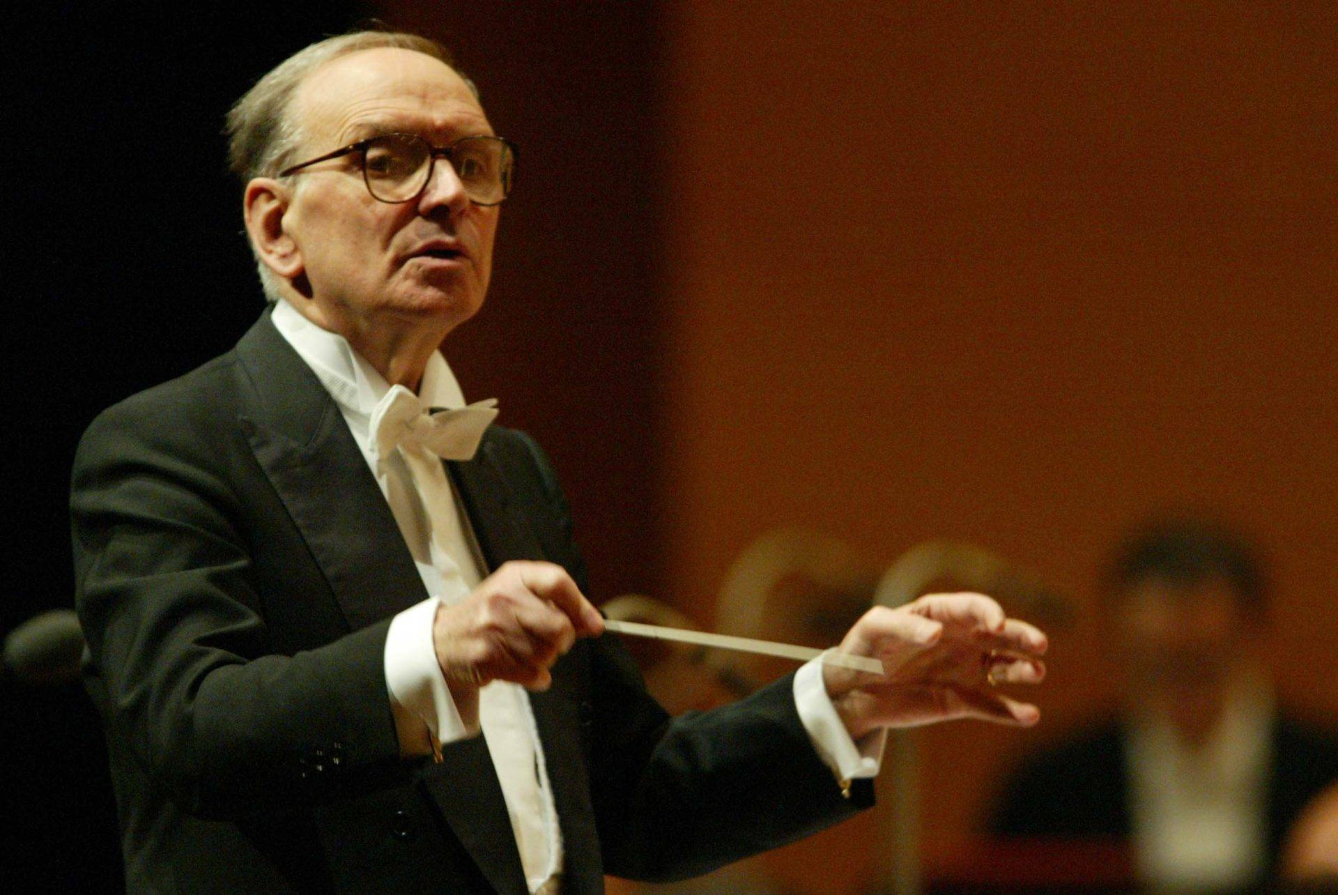 Ennio-Morricone-Conducts (1)